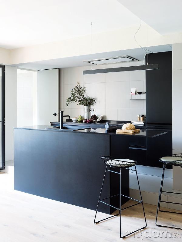 Kuchynská časť a kúpeľňa