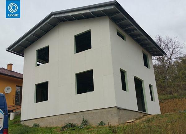 Oceľový dvojpodlažny dom v
