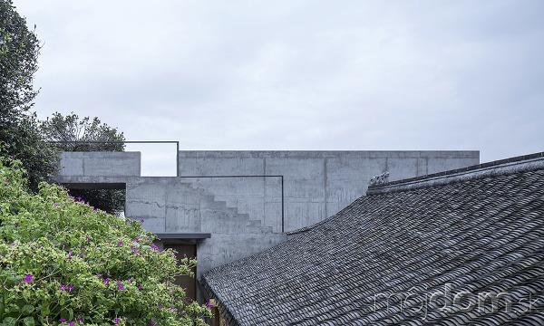 Nezvyčajná rekonštrukcia opusteného domu