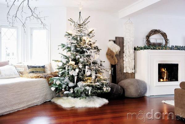 Vianočný stromček ozdobte vo