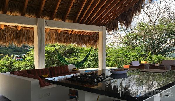 Palmová strecha ochráni obyvateľov