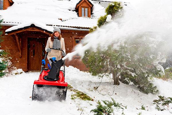 Odhod snehu z prístupovej