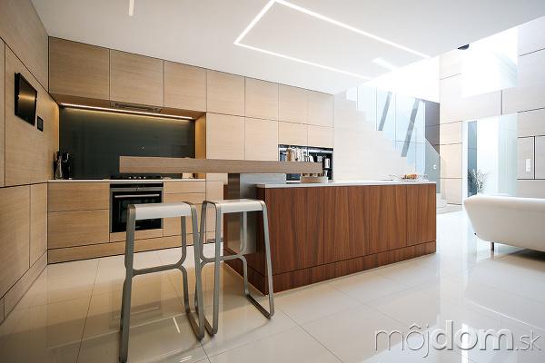 Kuchyňa a jedáleň sú