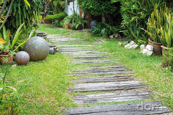 Prirodzene pôsobiace chodníčky vhodné