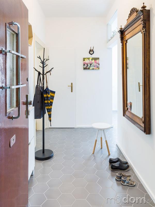 Pôvodné retro dvere hneď