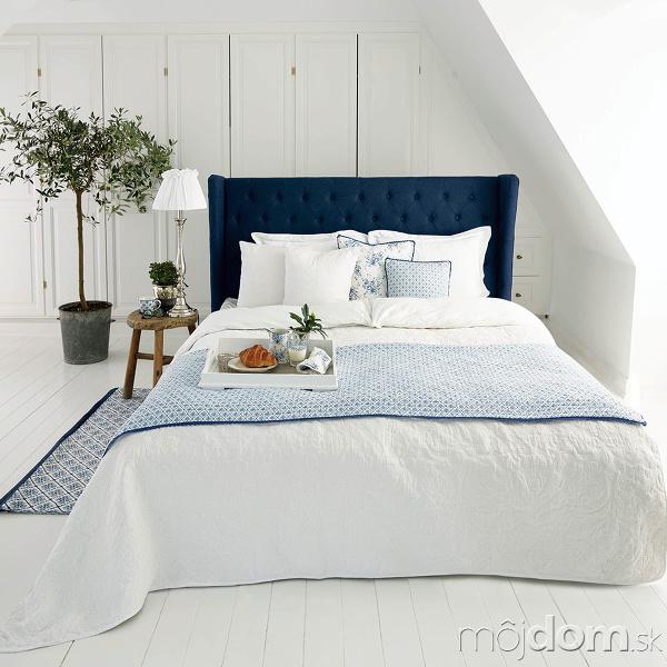 Modro-biela klasika Svetlý interiér