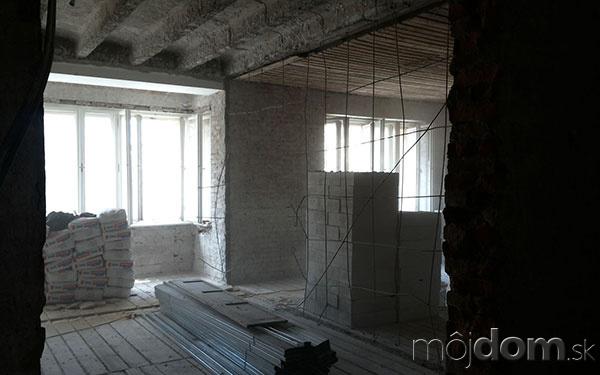 Náročná rekonštrukcia povojnového bytu