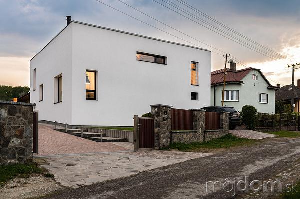 Dom PRST