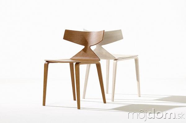 SVIŽNE VYFORMOVANÁ stolička Saya
