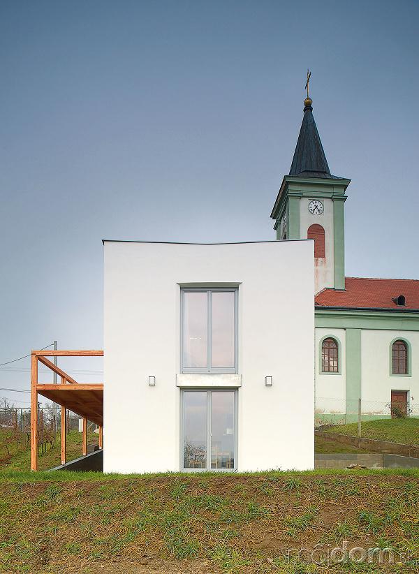 Nová drevená terasa poskytuje