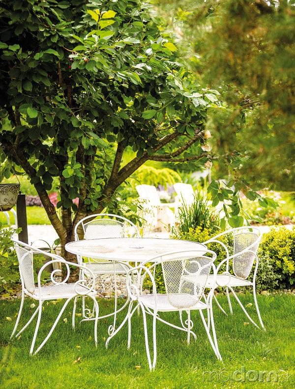 Záhradné sedenie vo vintage