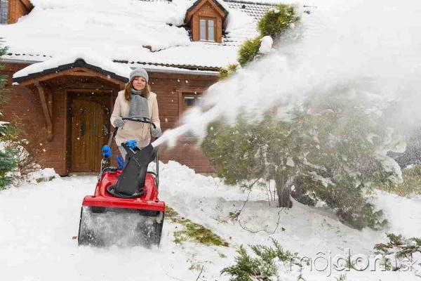 Odpratanie snehu z prístupovej
