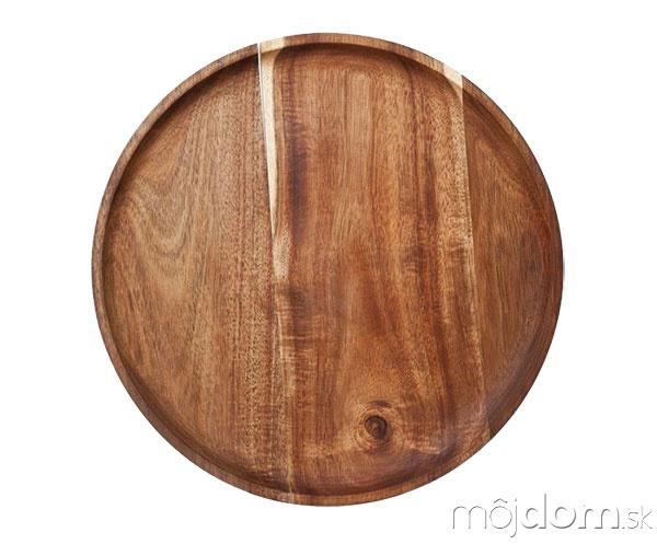 Na drevenom tanieri chutí