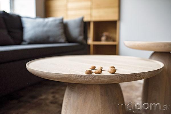 Moderný nábytok zmasívu vtvare