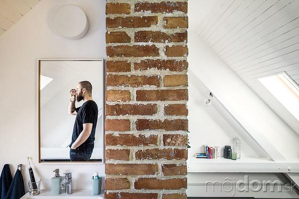 Miestnosť bez dverí =