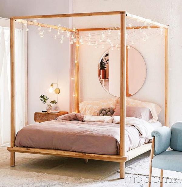 romantická postel