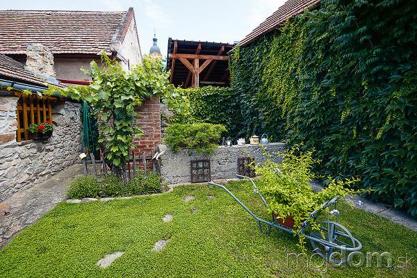 vidiecke dekorácie v záhrade