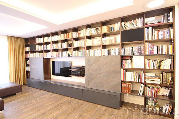 veľká knižnica v byte