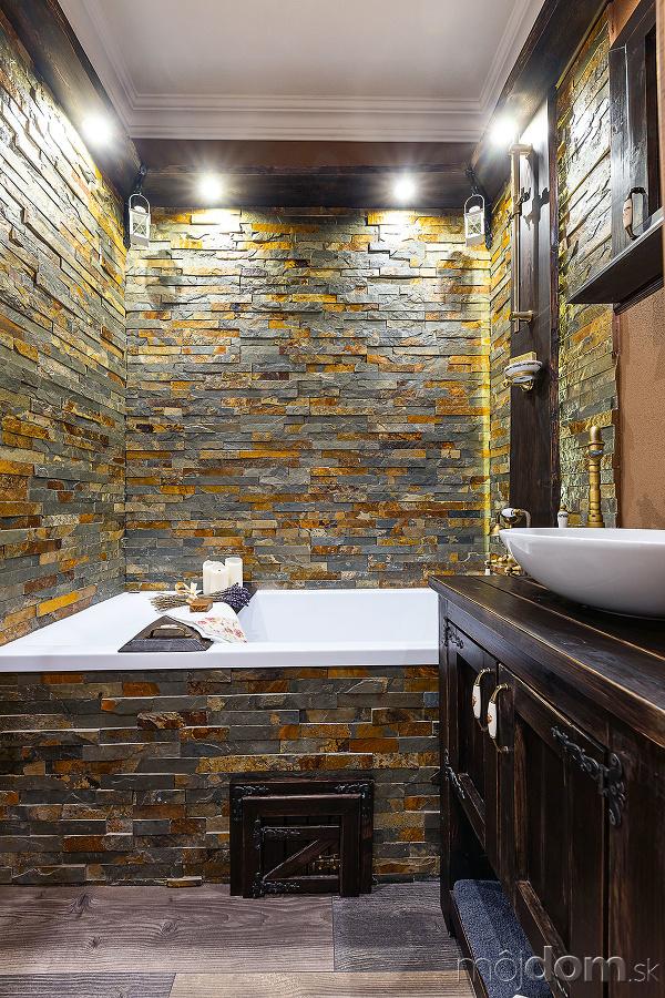 kamenný obklad v kúpeľni