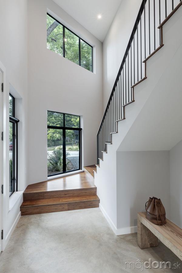 schody na horné podlažie