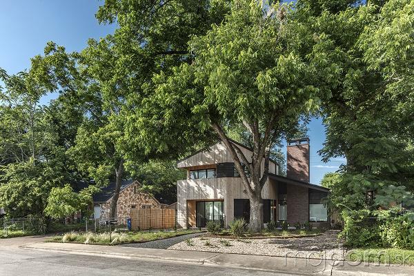 rodinný dom s drevenou