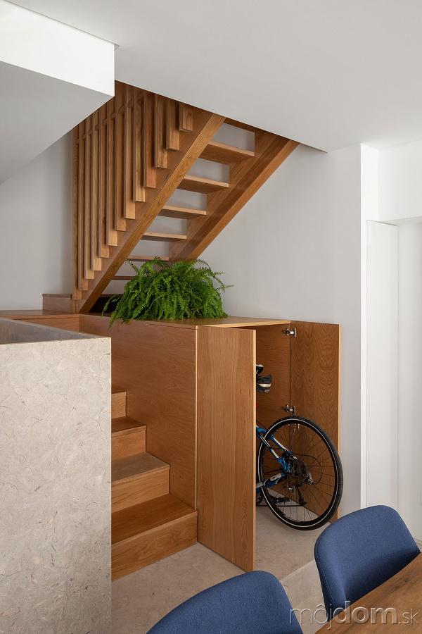 schodisko kde sa nachádza