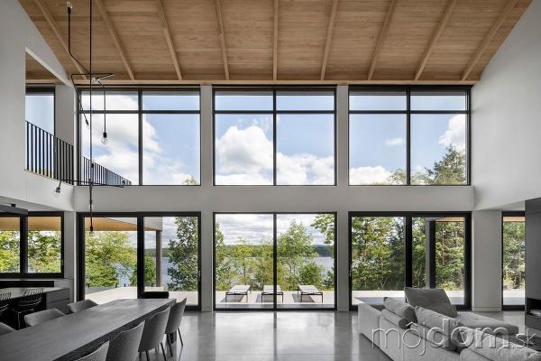 Obývačka medzi lesom a