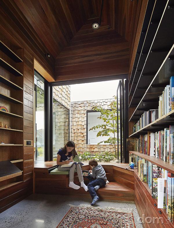 deti v knižnici domu