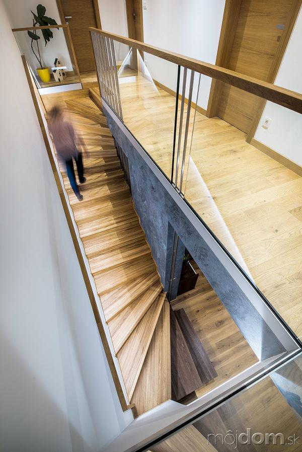 Centrálne schody