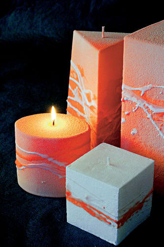 Nežne sfarbené sviečky v