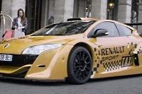 Mégane Trophy V6 pracuje