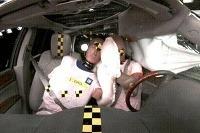 Chevrolet Traverse má centrálny airbag, ktorý zabraňuje kontaktu pasažierov.