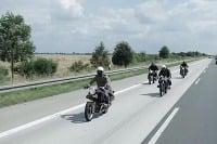 Na motorkách BMW na