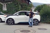 BMW i3 dokáže parkovať