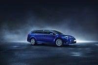 Toyota Avensis predstaví posledný