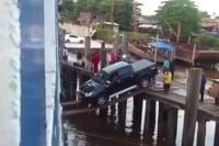 Toyota Hilux sa utopí,