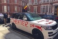 Cheater alebo len PR?