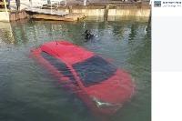 Toyota v jazere