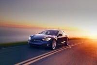 Tesla S, X aj 3 s balíkom plnej autonómie