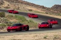 5 výnimočných modelov Ferrari na jednom okruhu