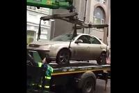 Odťahovacia služba poškodila auto