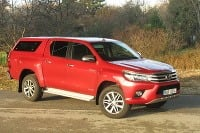 Toyota Hilux 2,4 D 6AT