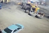 Výbuch pneumatiky zničil Corollu