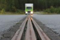 Švédsko chce napájať elektroautá počas jazdy