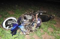 Motocykel skončil v poli