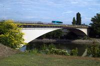 Vážsky most v Komárne