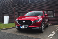 Mazda CX-30, Mazda 3 hatchback a Mazda 3 sedan s motorom SkyactivX