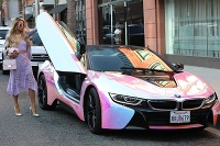 Paris Hilton BMW i8
