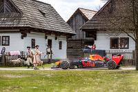 Red Bull stroje na