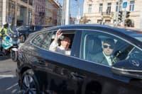 Škoda Enyaq a Škoda Karoq pre pápeža a pápež František